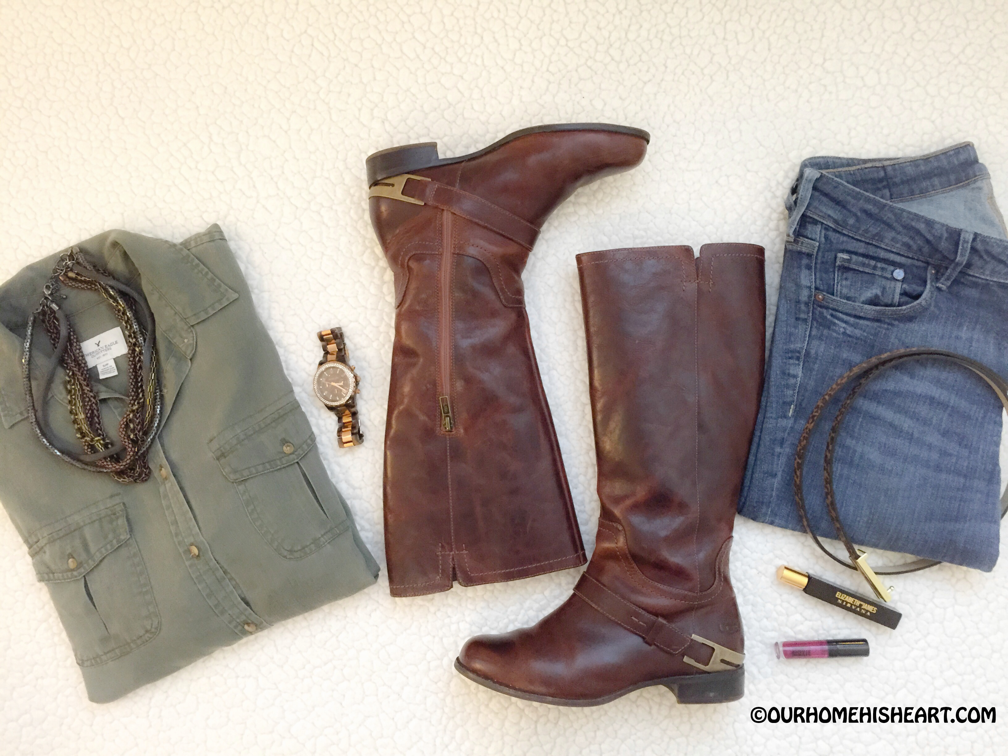 Outfit_of_the_day_Ugg_Riding_Boots_H&M_Skinny_Jeans_Micheal_Kors_Rosegold_Watch_AEO_Boyfriend_Shirt_Nirvana_Rollerball_Cheetah_Belt_MultiChain_Necklace